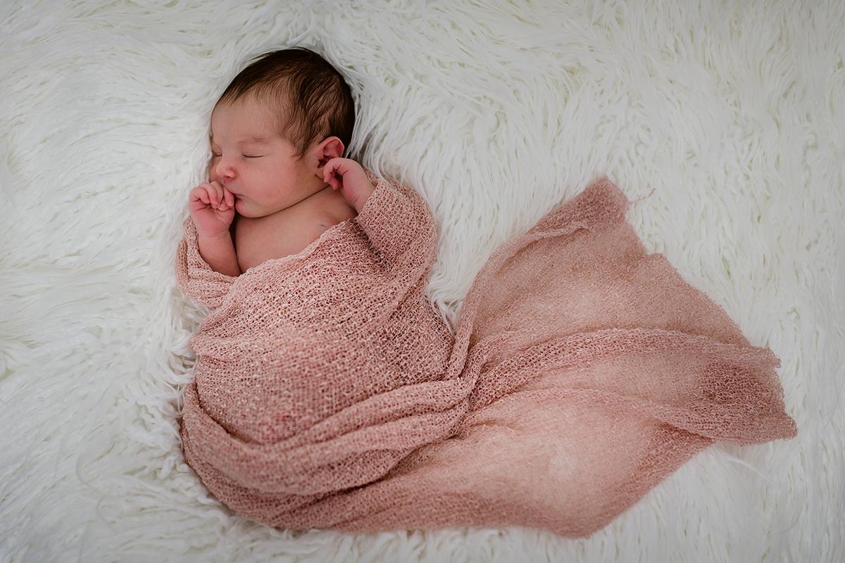 Mia - Newborn 014