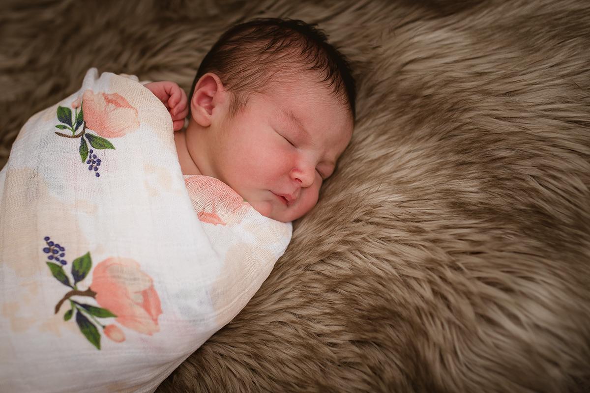Mia - Newborn 058