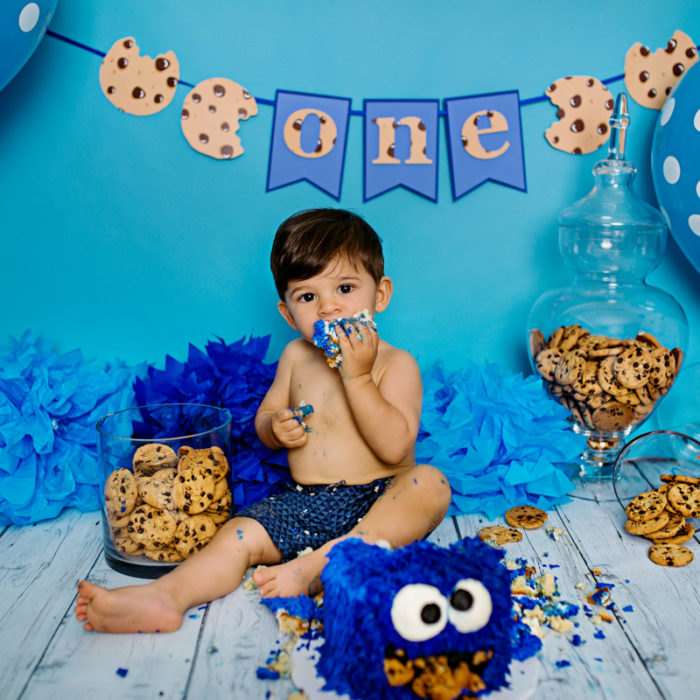 Giuseppe's Cookie Monster Cake Smash!